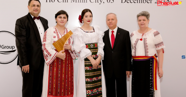 Lãnh sự quán Rumani tại TPHCM tổ chức kỷ niệm 100 năm ngày Quốc khánh
