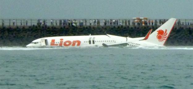 Lion Air tính hủy đơn hàng 22 tỉ USD với Boeing sau vụ rơi máy bay