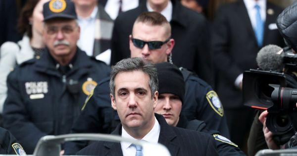 Cựu luật sư của Trump lãnh án 3 năm tù