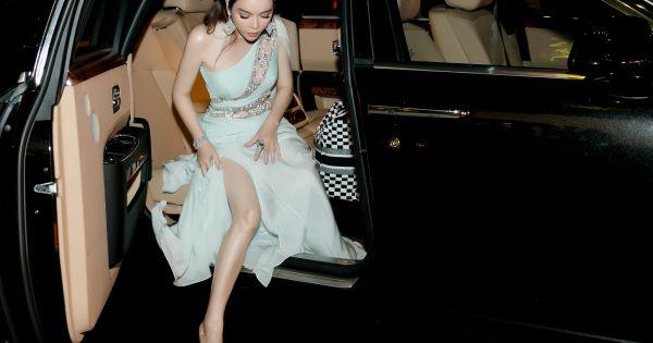 Lý Nhã Kỳ diện váy xuyên thấu đi trao giải Ngôi sao thời trang