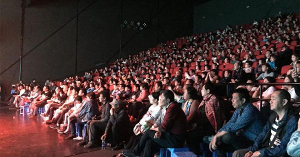 """Bát nháo cơ sở biểu diễn nghệ thuật phục vụ """"tour 0 đồng"""""""