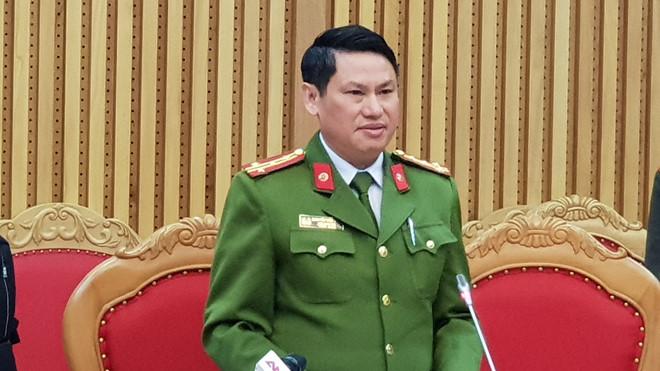 """Bắt tạm giam Hưng """"kính"""" trùm bảo kê chợ Long Biên"""