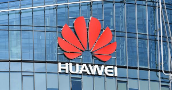 Hé lộ bằng chứng Huawei hoạt động gian dối
