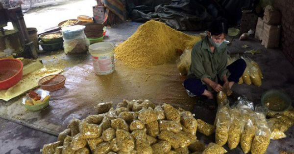 Hải Dương: Phát hiện cơ sở trộn lưu huỳnh vào củ riềng xay nhỏ bán ra chợ