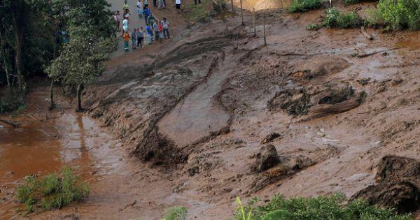 Hàng trăm người mất tích vì vỡ đập mỏ quặng sắt ở Brazil