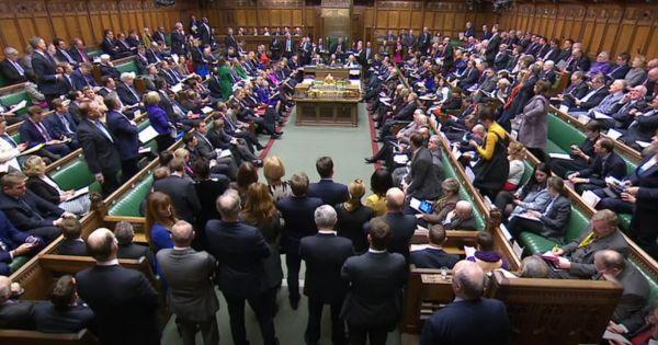 Thủ tướng Anh khẳng định chưa có kế hoạch từ chức