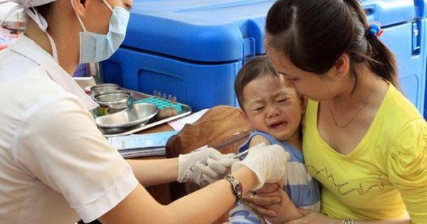 """TPHCM: Dân """"bỏ"""" vắc-xin, bệnh sởi bùng phát mạnh"""