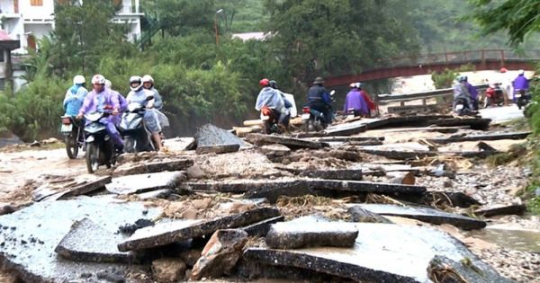 Giông lốc, mưa đá tàn phá hàng ngàn nhà dân ở vùng núi phía bắc
