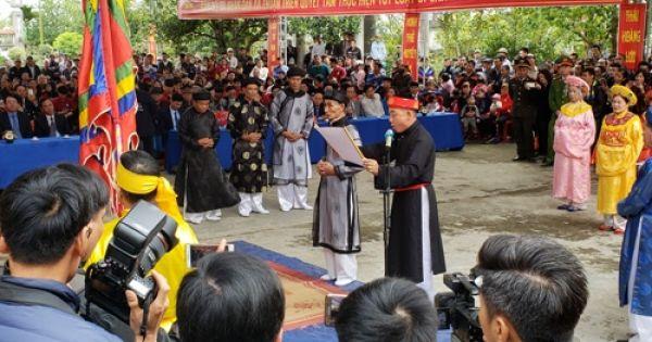 Hàng nghìn người dân dự lễ hội Minh Thề ở Hải Phòng