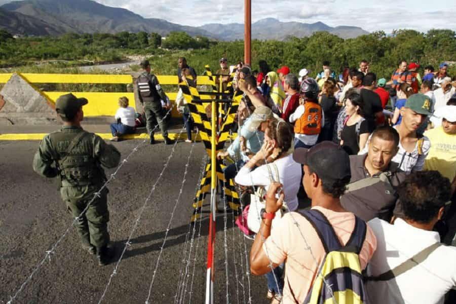 Venezuela đóng cửa biên giới với Brazil