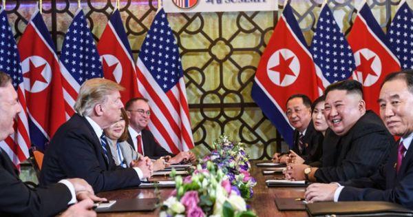 """Không đạt thỏa thuận, Tổng thống Trump vẫn ca ngợi quan hệ """"nồng ấm"""" với ông Kim"""