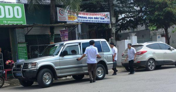 Nhiều xe biển xanh dự đám cưới con lãnh đạo tỉnh Quảng Bình