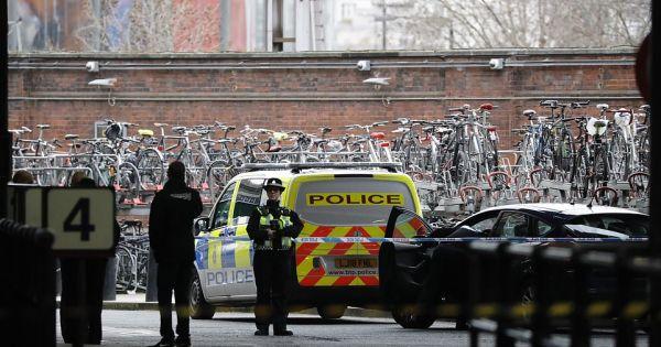 Anh: Nhiều sân bay và nhà ga ở London bị gửi bom thư