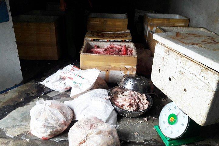 Đà Nẵng: Hãi hùng phát hiện gần 300 kg nội tạng bẩn sắp lên bàn nhậu