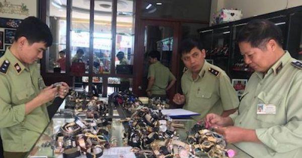 Hàng ngàn chiếc đồng hồ thương hiệu nổi tiếng nghi hàng giả, hàng nhái