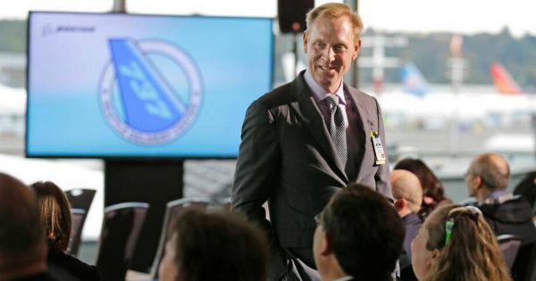 Quyền Bộ trưởng Quốc phòng Mỹ bị điều tra vì nghi vấn thiên vị Boeing