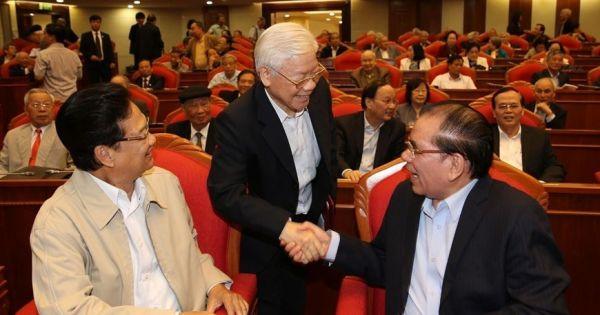 Tổng bí thư, Chủ tịch nước gặp mặt cán bộ lãnh đạo nghỉ hưu