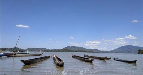 Khám phá Hồ Lắk – hồ nước ngọt tự nhiên lớn thứ hai tại Việt Nam