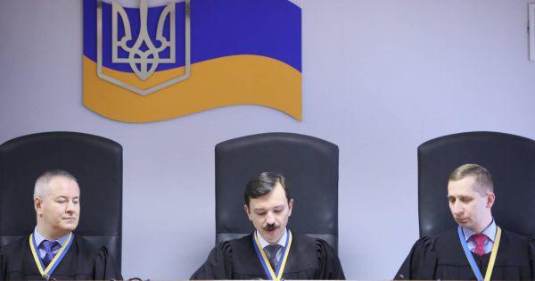 ukraine-toa-an-kiev-mo-vu-kien-cam-cuu-tong-thong-poroshenko-xuat-canh