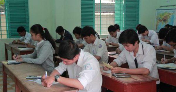 Cán bộ Sở Giáo dục Đào tạo Bình Thuận là người làm lộ đề kiểm tra văn lớp 12