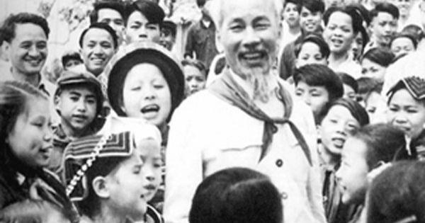 Tình cảm của Bác Hồ với các cháu thiếu niên, nhi đồng Việt Nam và thế giới