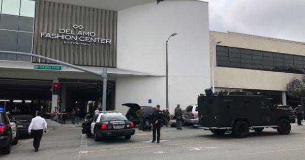 Mỹ: Nổ súng ở trung tâm thương mại bang California