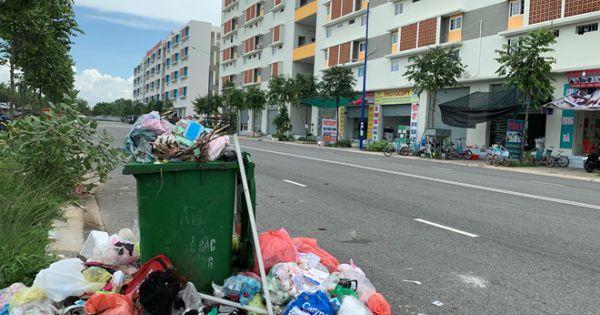 """Bình Dương: Yêu cầu xác minh vụ """"ém"""" tiền rác đã thu, khiến khu dân cư ngập rác"""