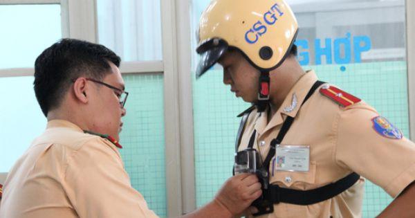 CSGT được trang bị thêm camera đeo trước ngực khi xử lý vi phạm