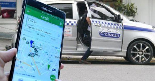 Bộ GTVT báo cáo về quy định gắn hộp đèn cho taxi công nghệ