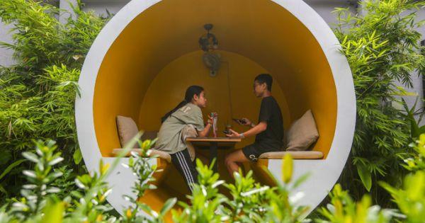 Quán cà phê mới lạ, cho khách ngồi trong ống cống ở Sài Gòn