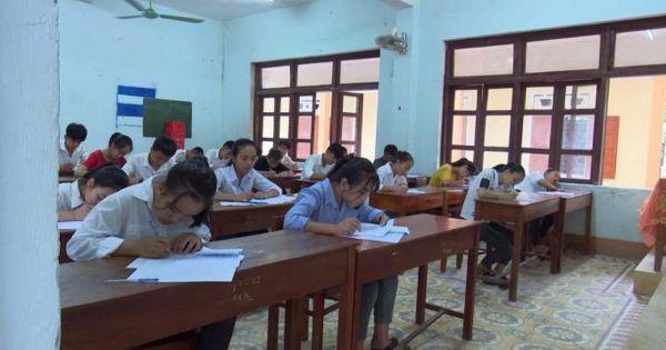 """Sở GD-ĐT tỉnh Quảng Bình đề nghị kỷ luật 2 cán bộ coi thi """"ký nhầm"""" trên 24 bài thi của thí sinh"""