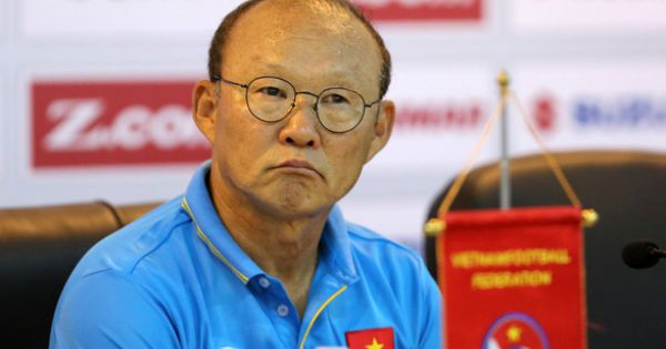 Chủ tịch CLB HAGL không hỗ trợ VFF trả lương cho HLV Park Hang-seo