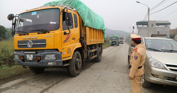 Tái diễn tình trạng cơi nới thùng xe chở quá tải tại 12 tỉnh, thành phố