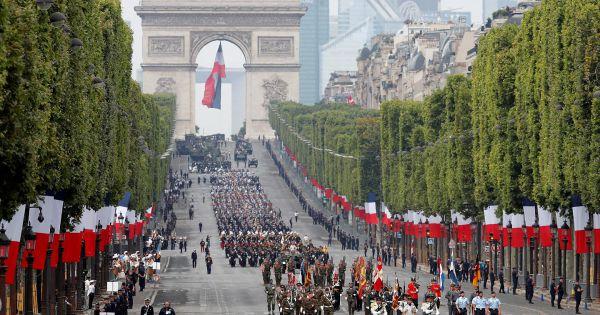 Cộng hòa Pháp kỷ niệm Quốc khánh, biểu tình nổ ra ở Paris