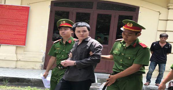 """""""Tú ông"""" Sài Gòn dắt mối Á hậu bán dâm lĩnh 5 năm tù"""