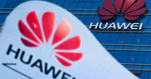 Canada trì hoãn quyết định cứu xét dự án 5G của Huawei đến tháng 10