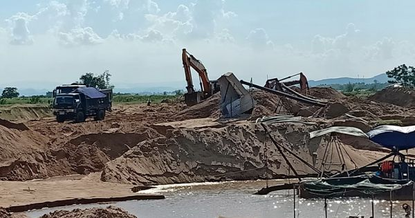 Sở TN-MT Phú Yên kiến nghị dừng hoạt động 3 mỏ cát