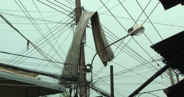 Đồng Tháp: Giông lốc gây chết người, sập và tốc mái hàng trăm căn nhà