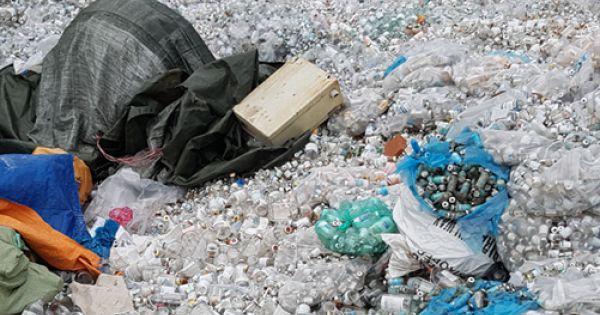 """Du lịch Việt Nam """"mất điểm"""" vì rác thải nhựa không xử lý"""