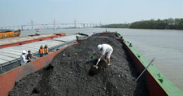 Hai ngày tạm giữ 3.000 tấn than không rõ nguồn gốc