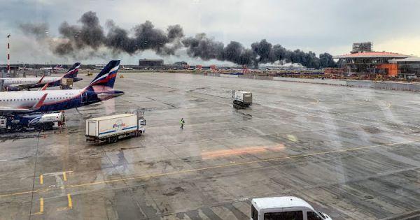 Máy bay chở khách Nga ngừng bay khẩn cấp vì sự cố trong buồng lái