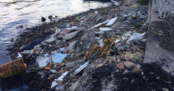 Ám ảnh với ô nhiễm tại cảng cá Lạch Bạng lớn nhất Bắc Trung Bộ