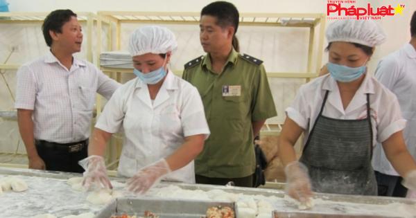 Bắc Giang: Quyết liệt kiểm tra chất lượng nguyên liệu làm bánh Trung thu