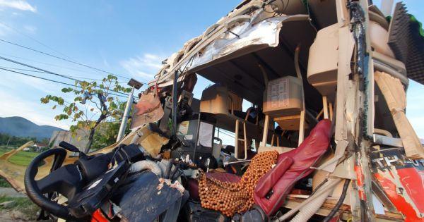 Khánh Hòa: Tai nạn giữa 2 xe khách, 40 người nhập viện, 1 người chết