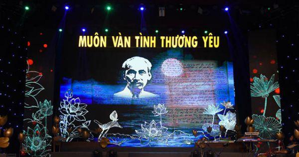 Nhiều lãnh đạo Đảng, Nhà nước tham dự chương trình nghệ thuật 'Muôn vàn tình thương yêu'
