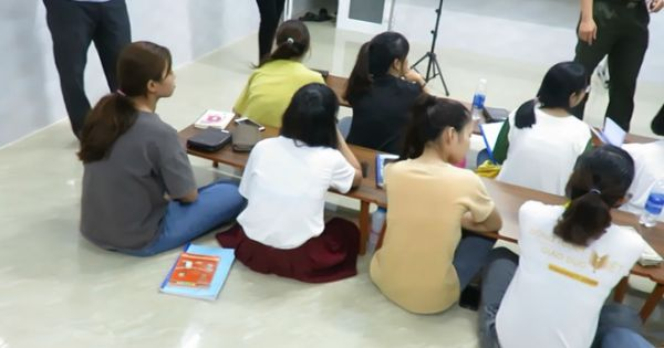 Đà Nẵng: Bắt quả tang một trung tâm ngoại ngữ truyền đạo trái phép