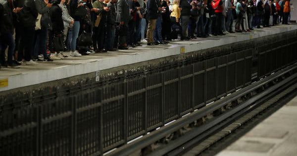 Pháp: Giao thông tại Paris lại tê liệt vì bãi công