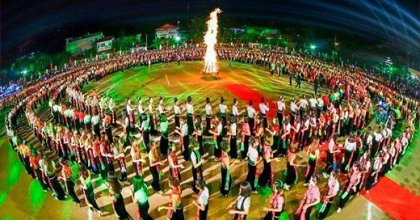 Yên Bái dừng đăng ký kỷ lục Guinness thế giới màn Đại xoè