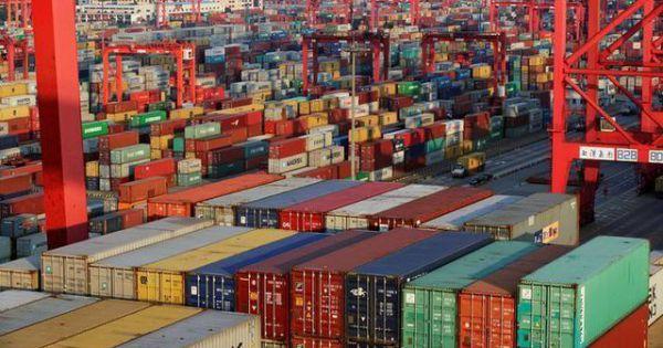 Mỹ quyết định tạm dỡ bỏ thuế đối với hàng trăm mặt hàng Trung Quốc