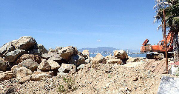 Dự án du lịch Hồ Tiên ngang nhiên đổ đá lấn vịnh Nha Trang
